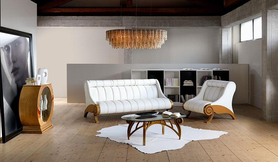 Idee per arredare un soggiorno classico bianco n.13