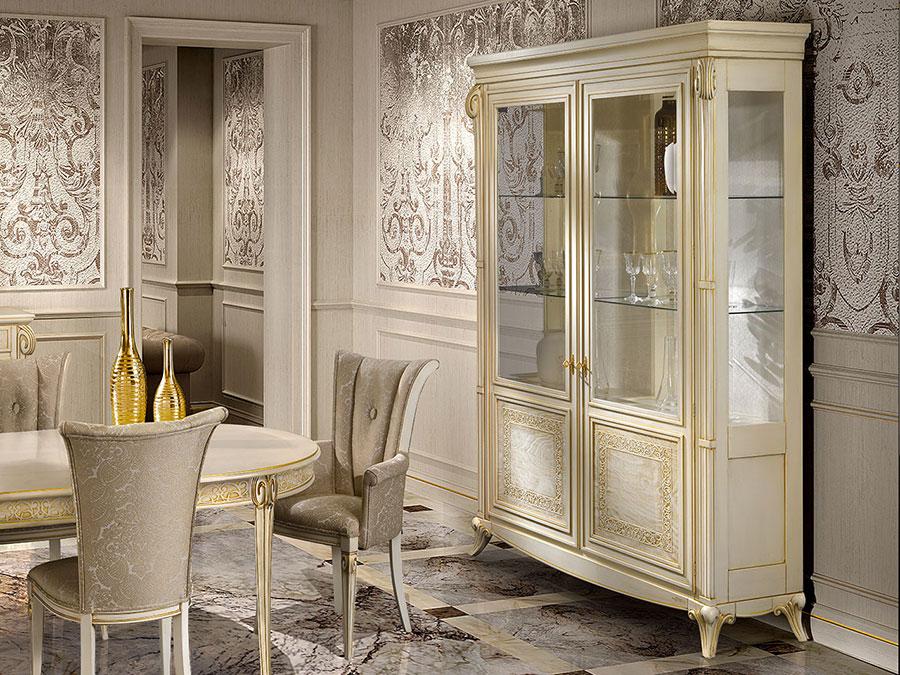 Idee per arredare un soggiorno classico bianco n.20