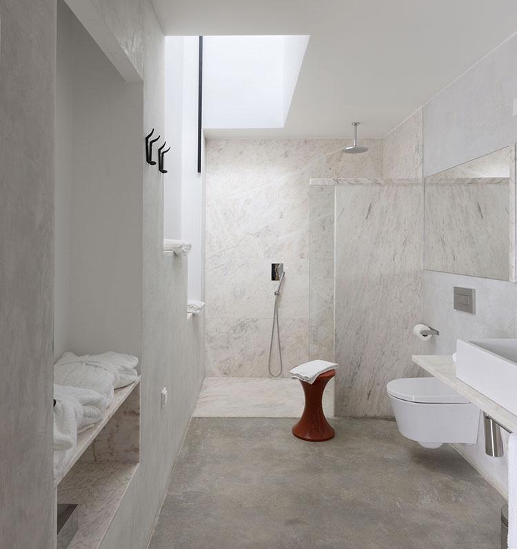 Bagno di lusso in marmo bianco n.05