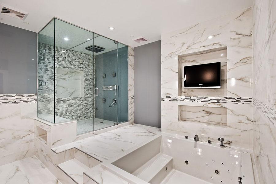 Bagno di lusso in marmo bianco n.07