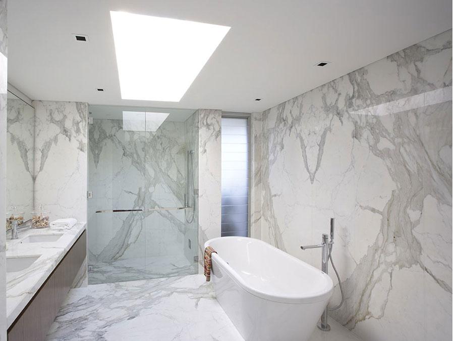 Bagno di lusso in marmo bianco n.10