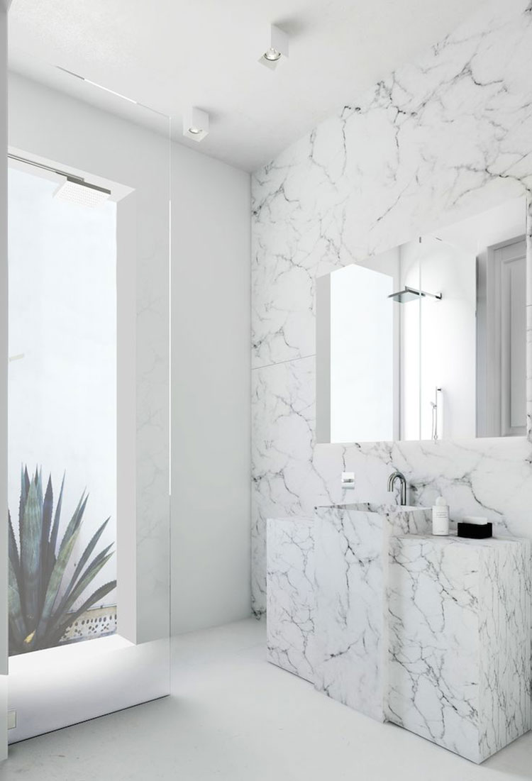 Bagni in marmo bianco 20 idee per arredi di lusso for Master arredamento interni