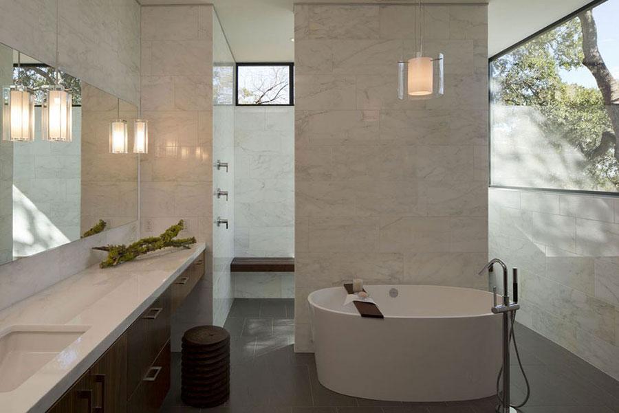 Bagno di lusso in marmo bianco n.15