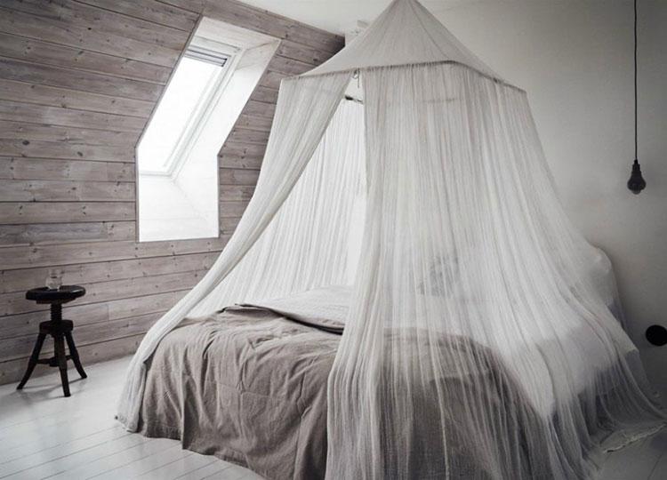 Idee per costruire un letto a baldacchino fai da te n.11