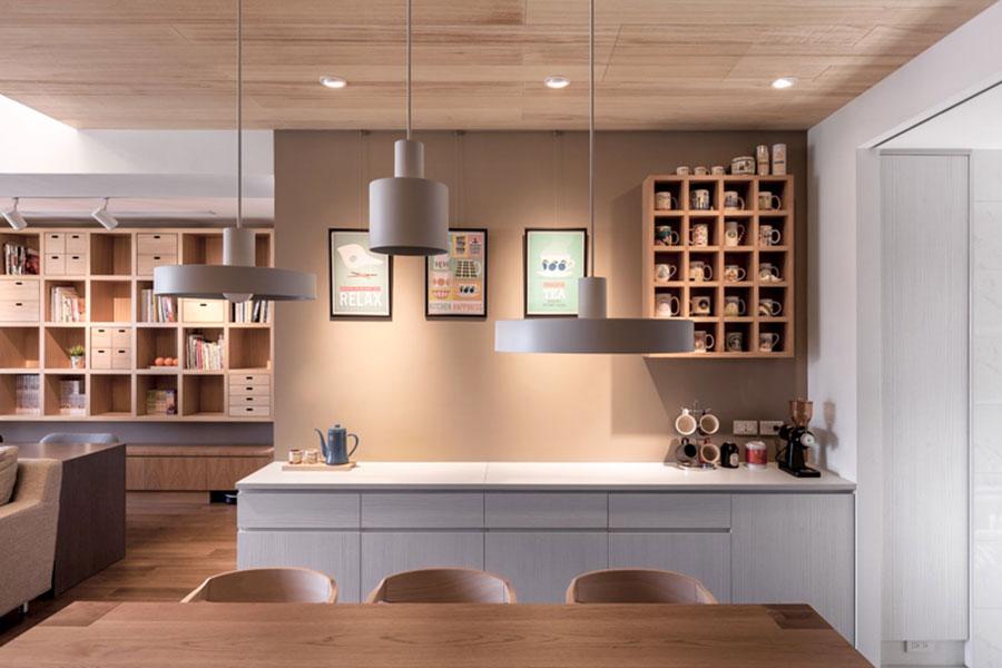 Idee per arredare una casa da sogno con interni in legno dal design moderno n.30