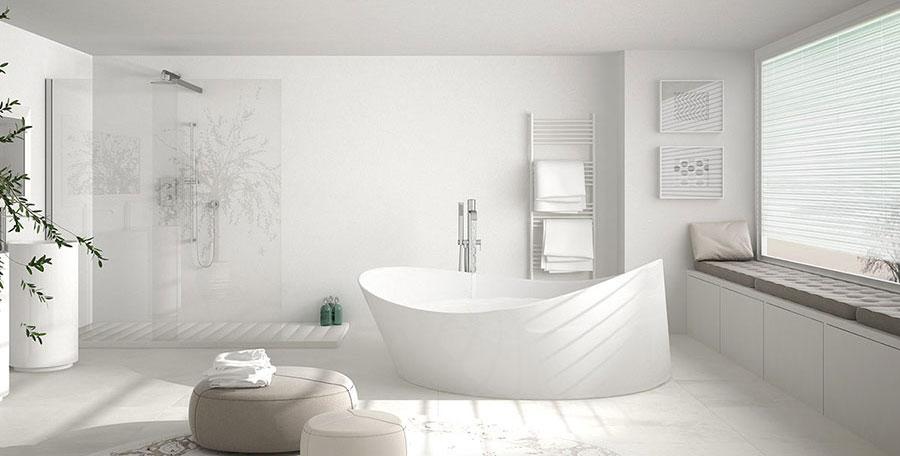 Come arredare un bagno bianco