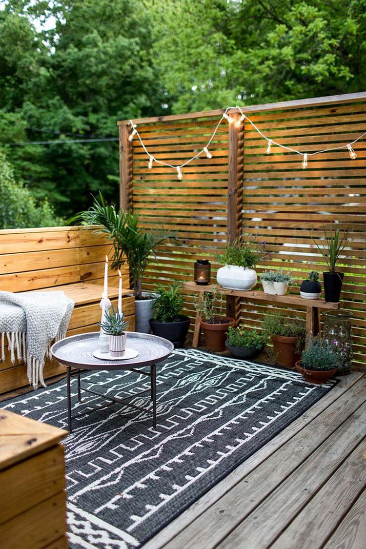 Idee per abbellire un terrazzo con tessuti n.5