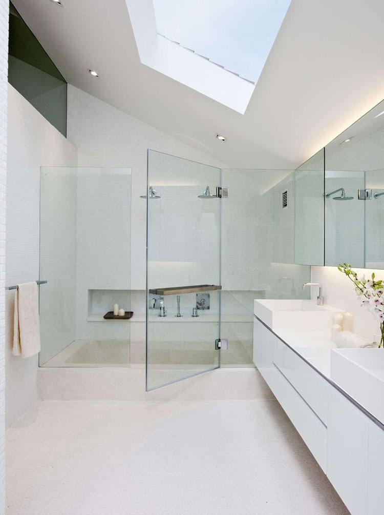 Idee per arredare un bagno bianco moderno n.05
