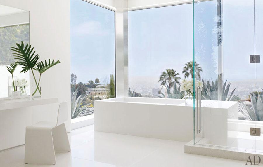 Idee per arredare un bagno bianco moderno n.10