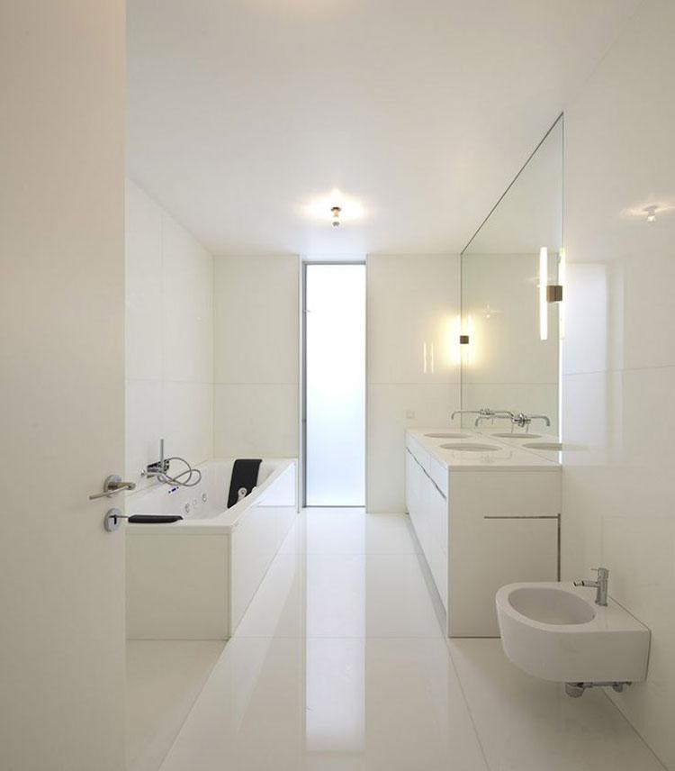 Idee per arredare un bagno bianco moderno n.12