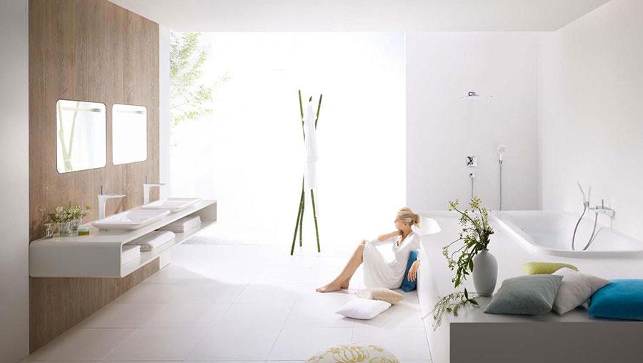 Idee per arredare un bagno bianco moderno n.13