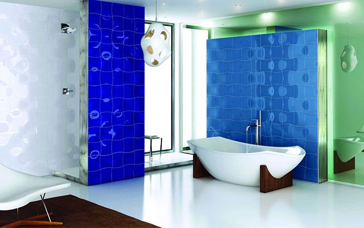 Idee per arredare un bagno blu e bianco n.12