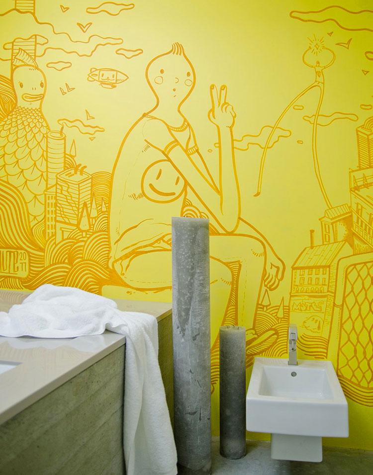 Bagno con pareti gialle n.03