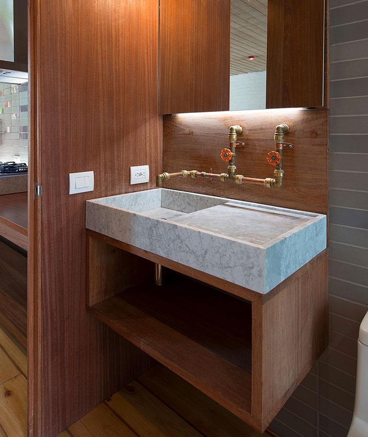 Idee di arredo per un bagno in stile industriale n.31