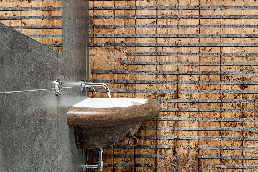 Idee di arredo per un bagno in stile industriale n.37