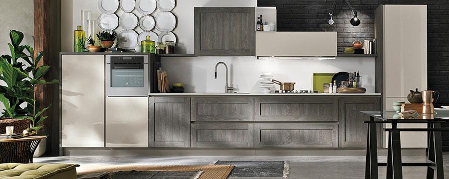 Modello di cucina bianca e grigia moderna n.14