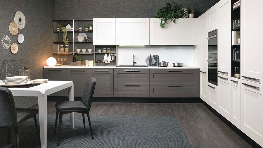 Modello di cucina bianca e grigia opaca n.01