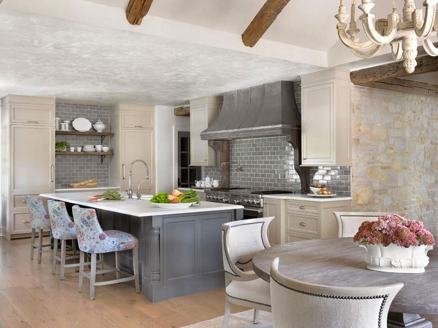 Modello di cucina bianca e grigia shabby chic n.05