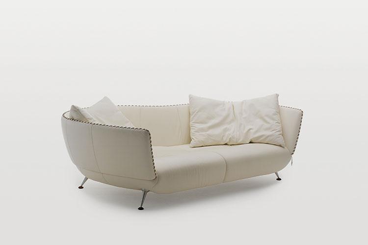 Modello di divano curvo dal design particolare n.06