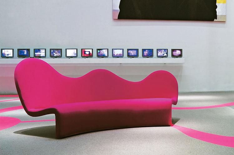 Modello di divano curvo dal design particolare n.23