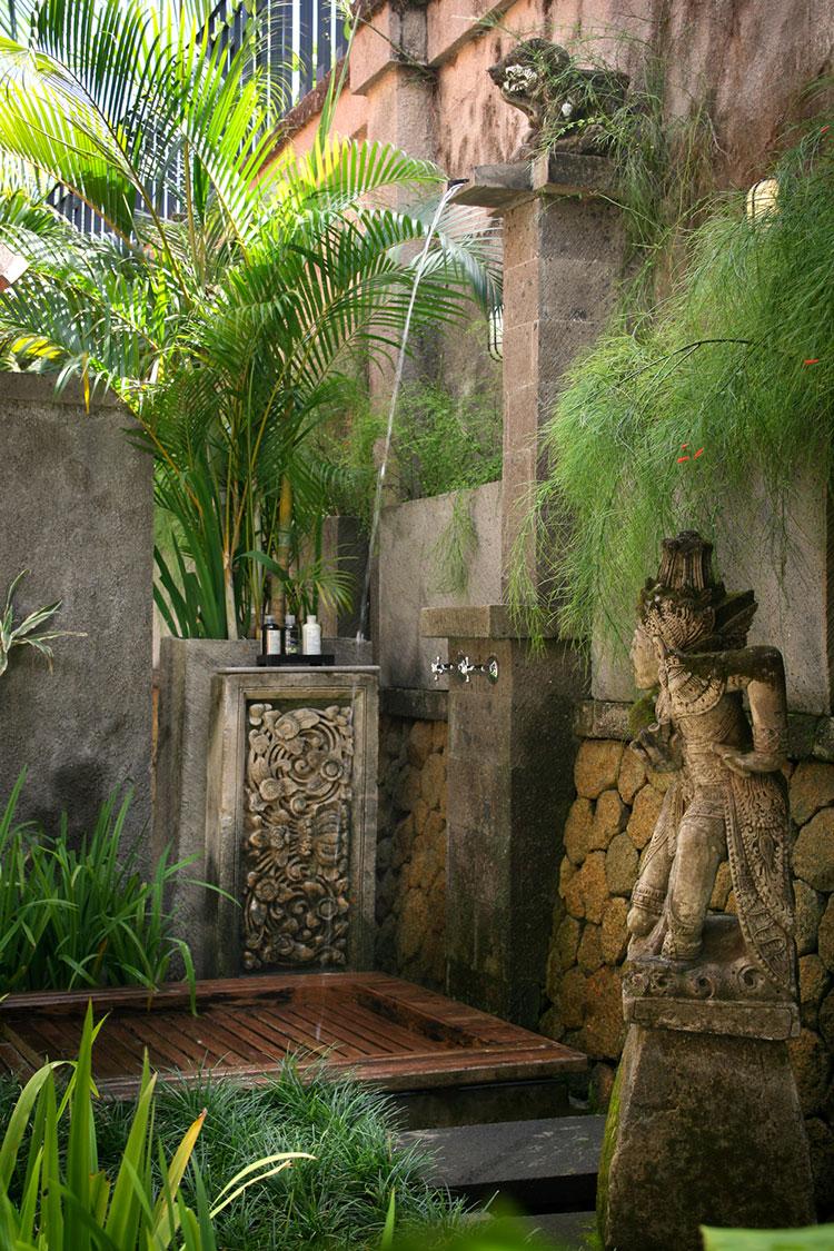 Idee per creare una doccia da giardino da sogno in stile zen n.02