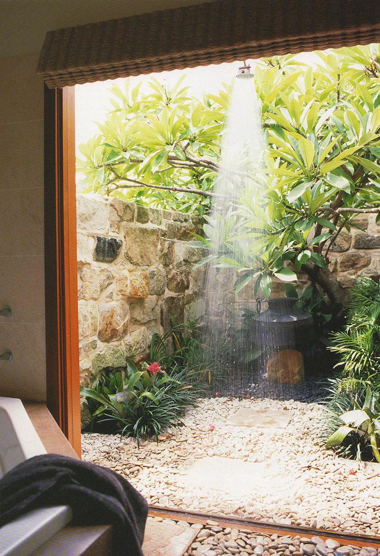 Idee per creare una doccia da giardino da sogno in stile zen n.06