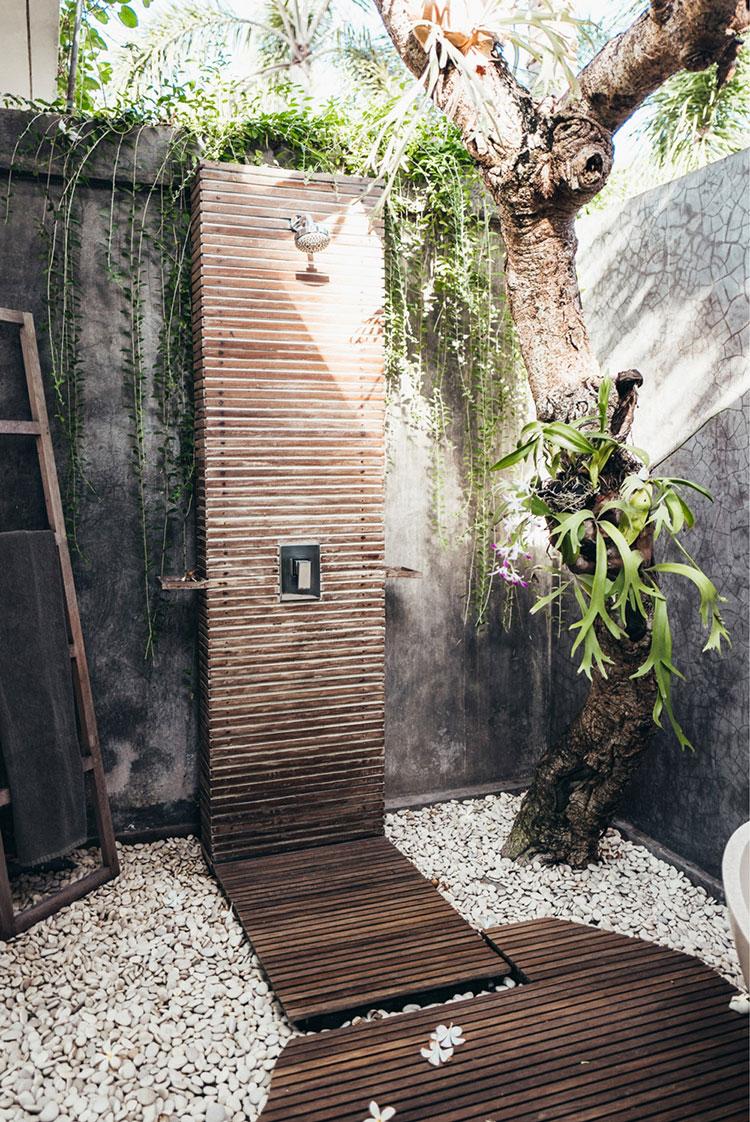 Idee per creare una doccia da giardino da sogno in stile zen n.12