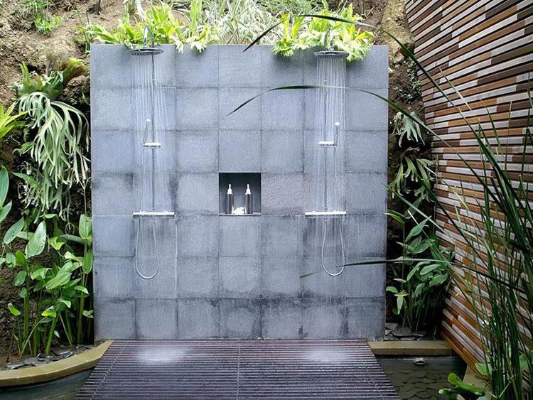 Idee per creare una doccia da giardino da sogno in stile zen n.13