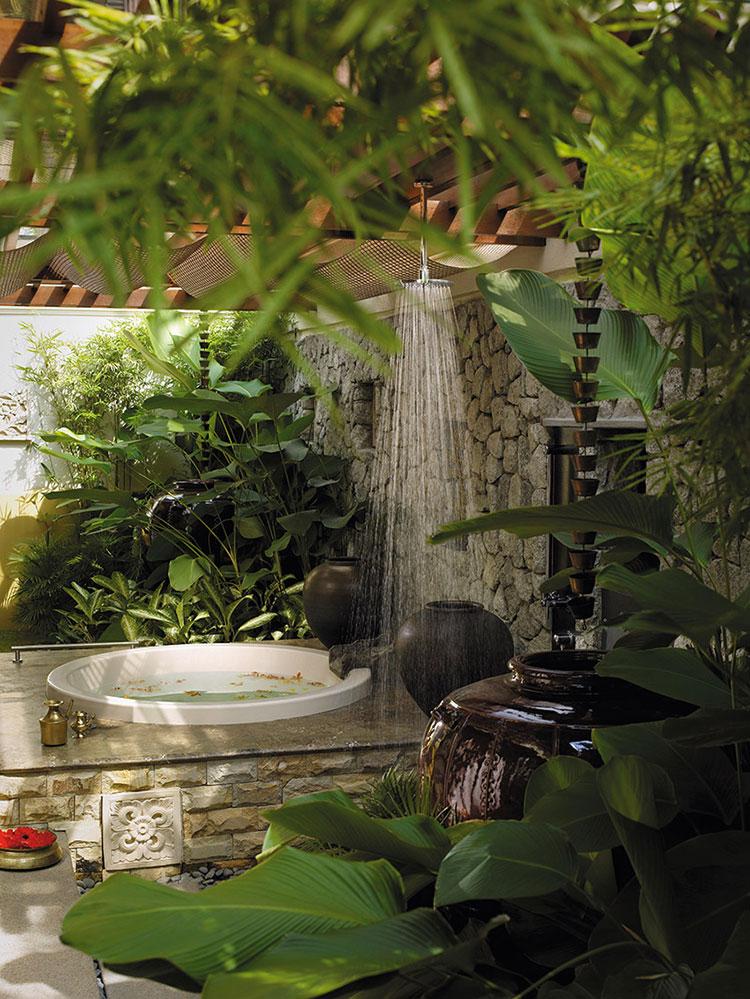 Idee per creare una doccia da giardino da sogno in stile zen n.16