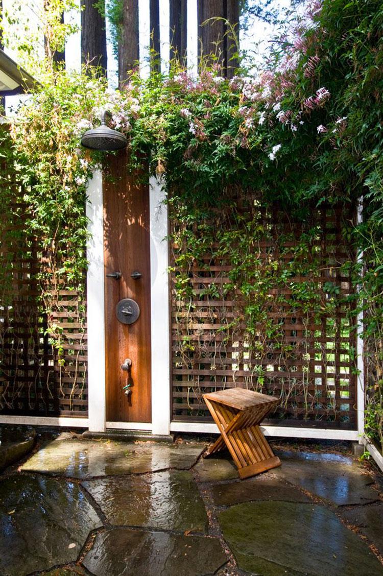 Doccia da giardino da sogno 20 idee per creare un angolo - Doccia da esterno solare ...