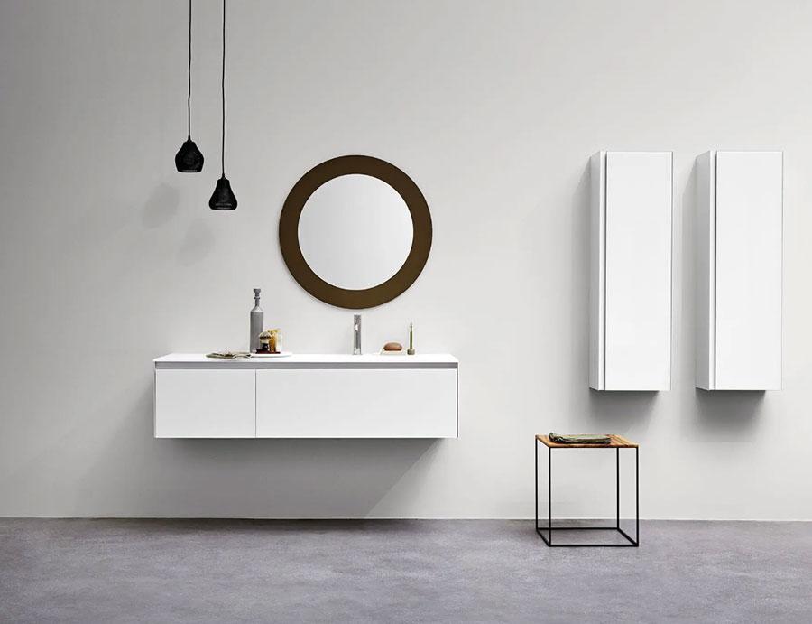 Modello di mobile bagno bianco lucido n.03