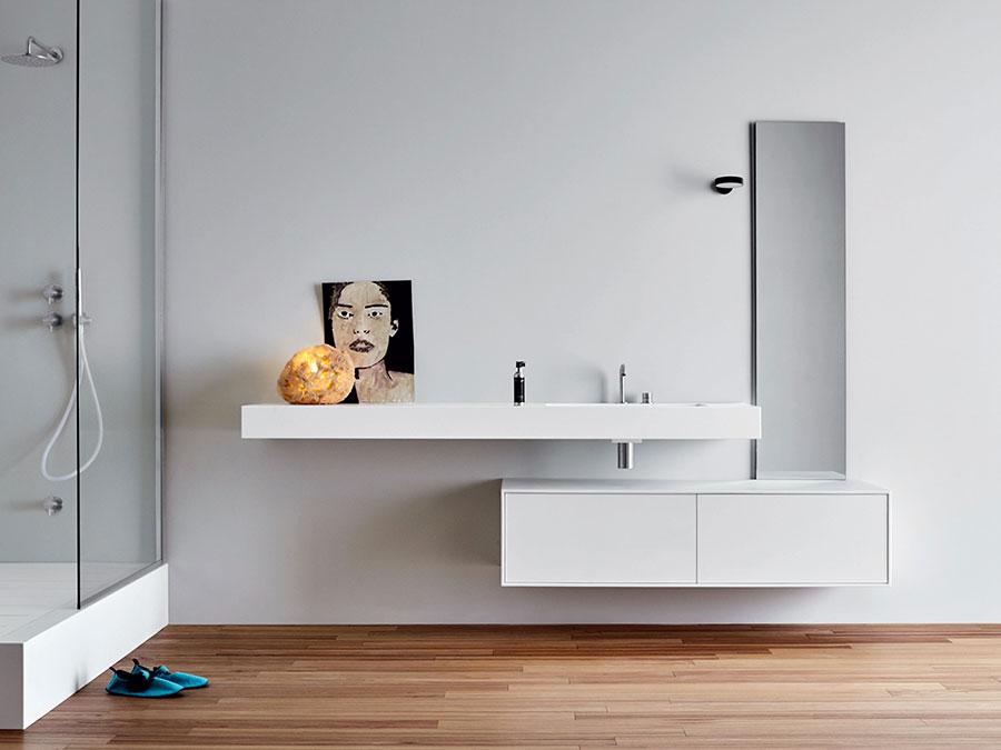 Modello di mobile bagno bianco opaco n.01