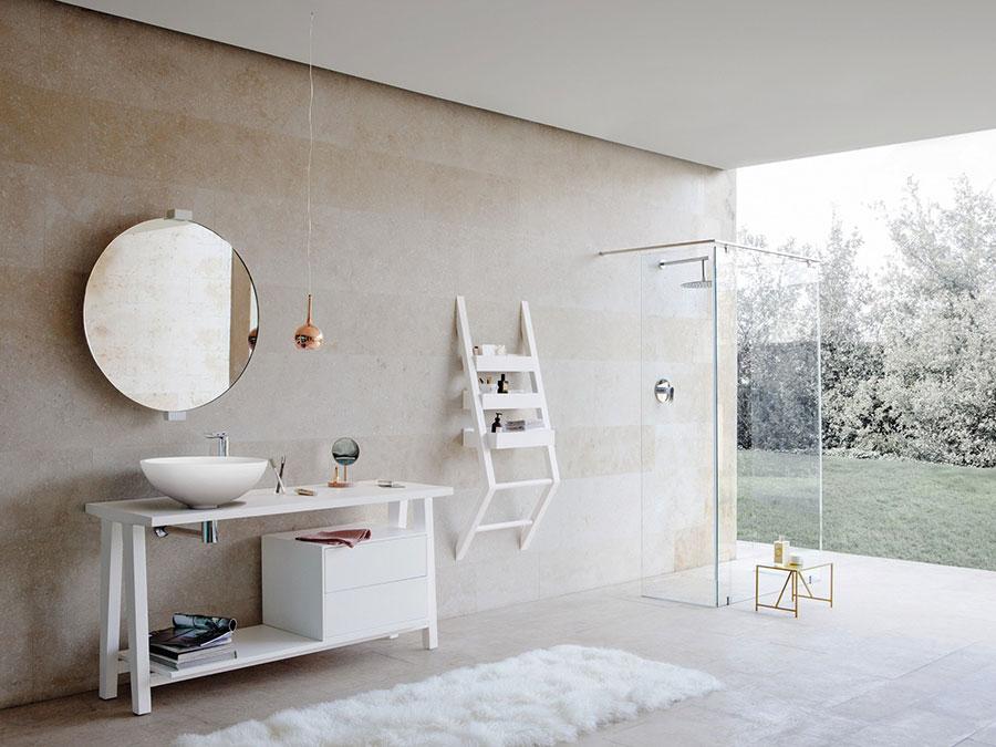 Modello di mobile bagno bianco opaco n.02
