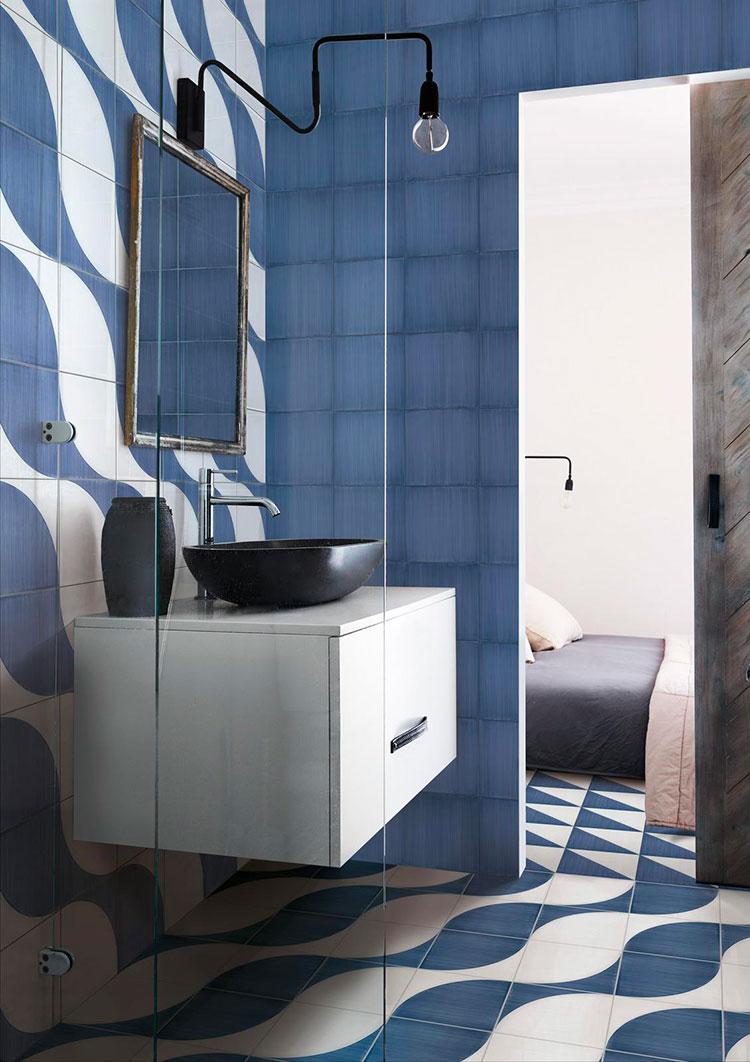 Rivestimenti per bagno blu e bianco n.08