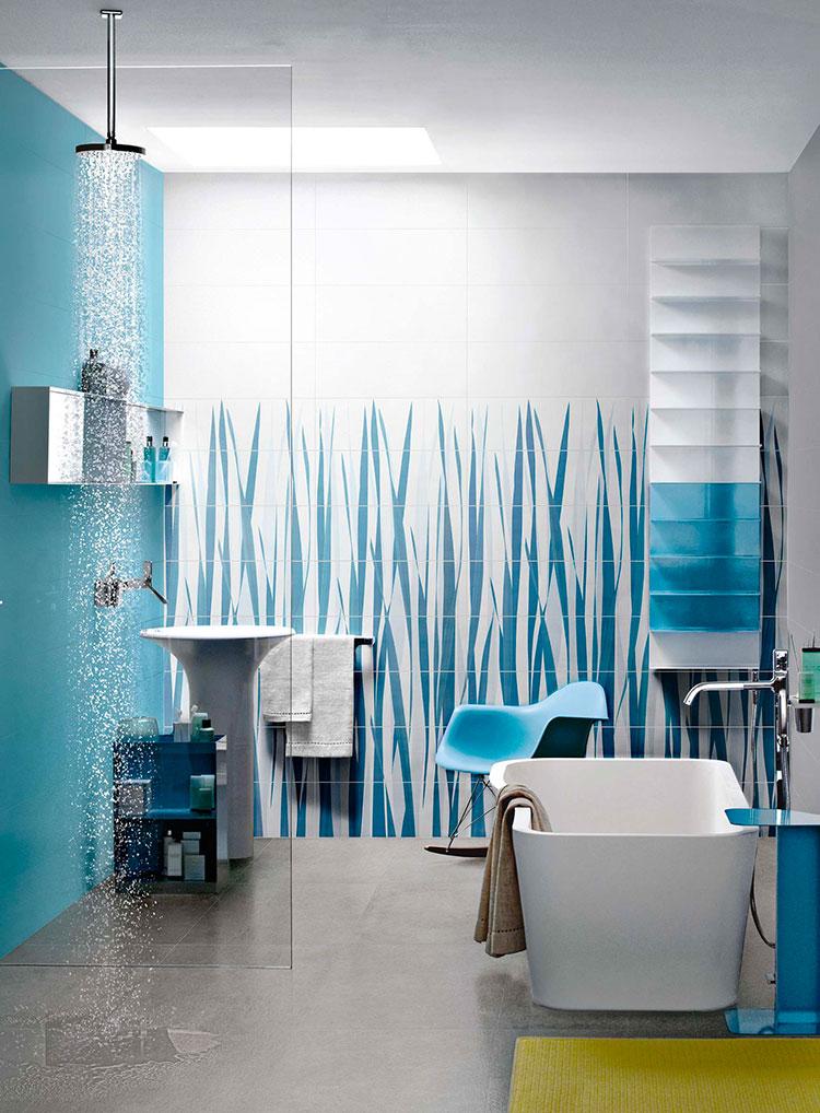 Rivestimenti per bagno blu e bianco n.09