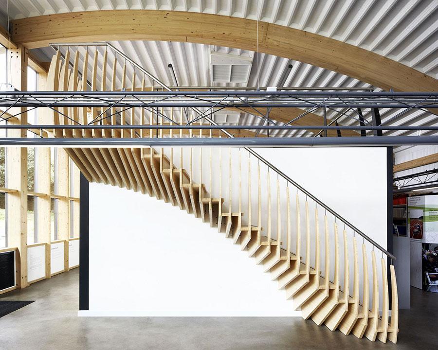 Modello di scala in legno per interni dal design moderno n.02