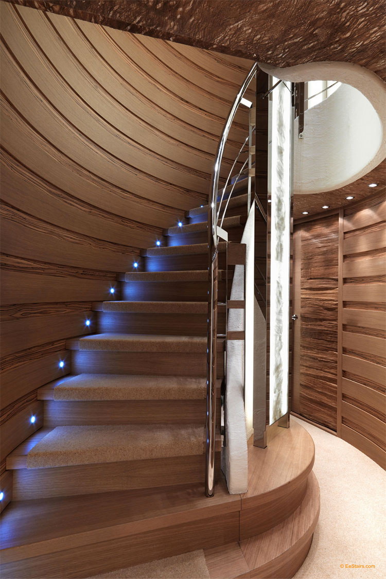 Modello di scala in legno per interni dal design moderno n.03