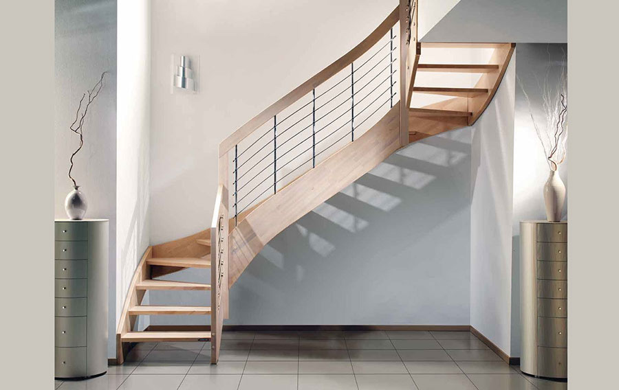 Modello di scala in legno per interni dal design moderno n.06
