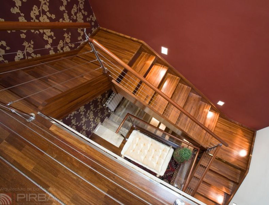 Modello di scala in legno per interni dal design moderno n.19