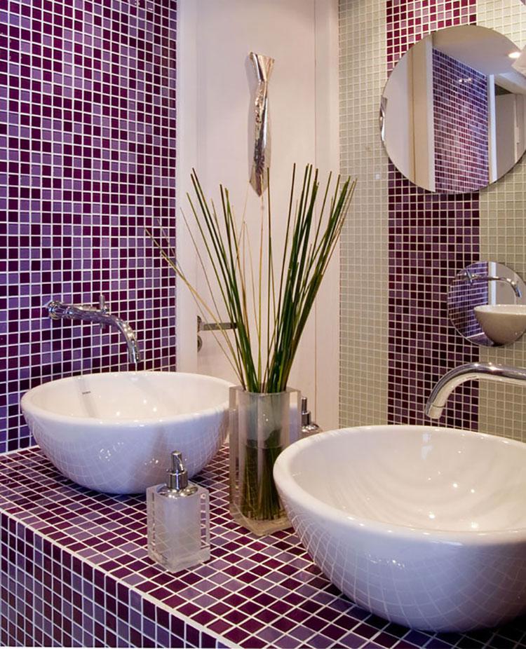Idee per arredare un bagno viola dal design moderno n.20