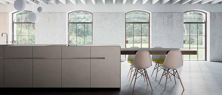 Modello di cucina con tavolo integrato n.10
