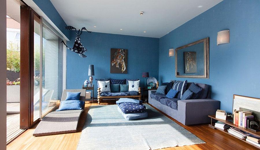 Pareti del soggiorno di colore blu n.02