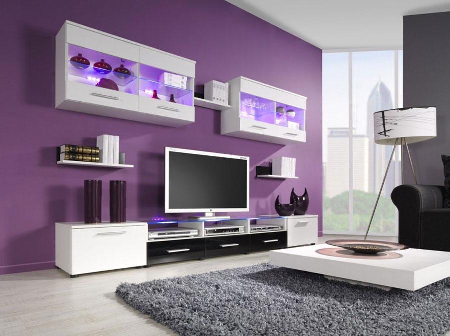 Pareti del soggiorno di colore viola n.04