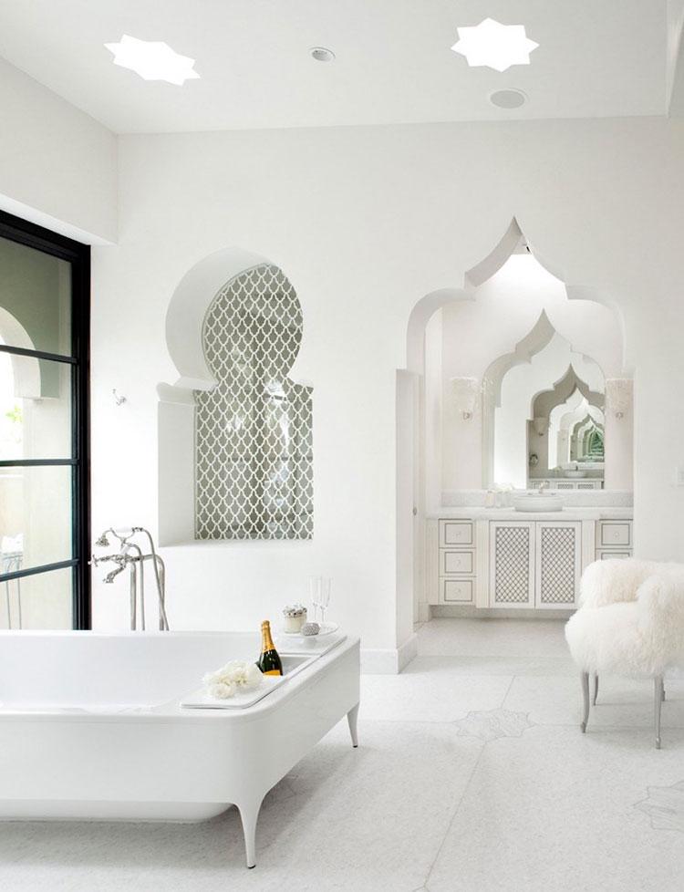 Idee per arredare un bagno classico bianco n.18