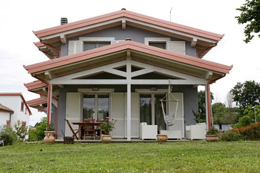 Casa prefabbricata in legno dei costruttori Forest