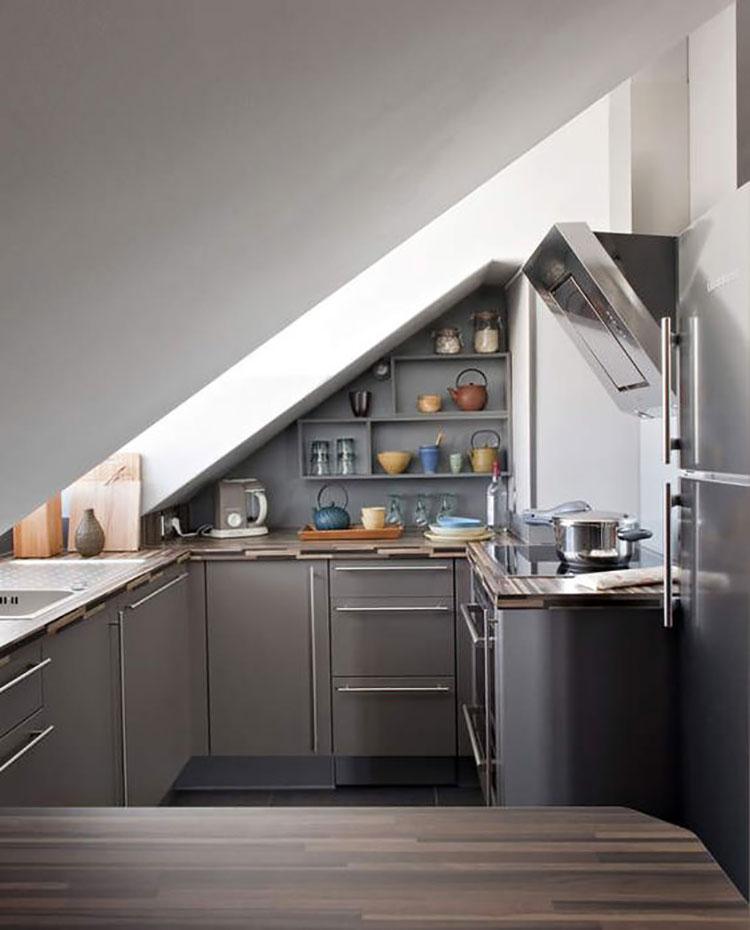 Idee per arredare una cucina in mansarda bassa n.02