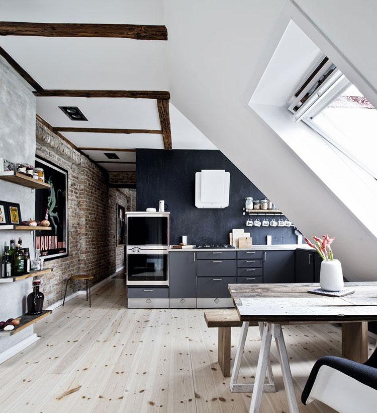 Idee per arredare una cucina piccola in mansarda n.01