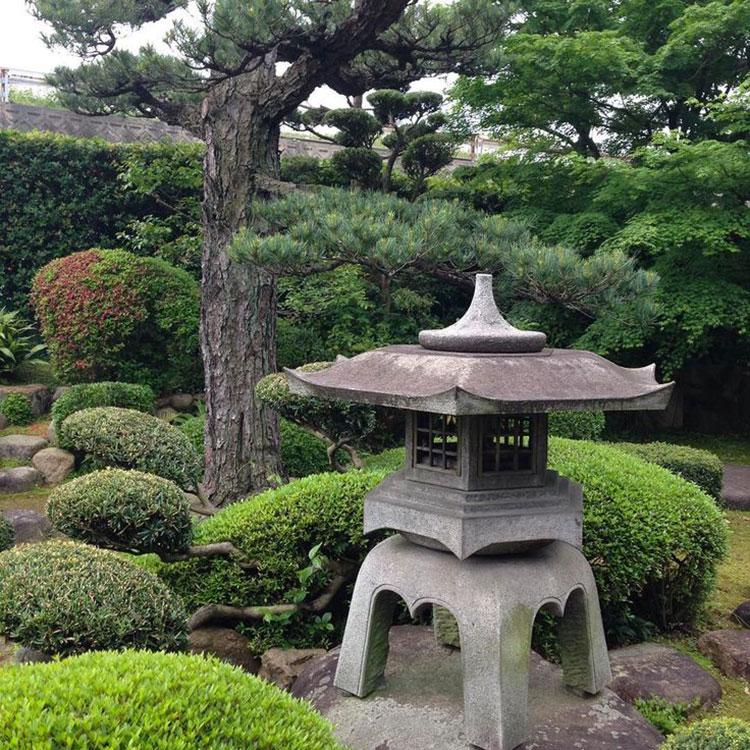 Come utilizzare le lanterne nel giardini zen