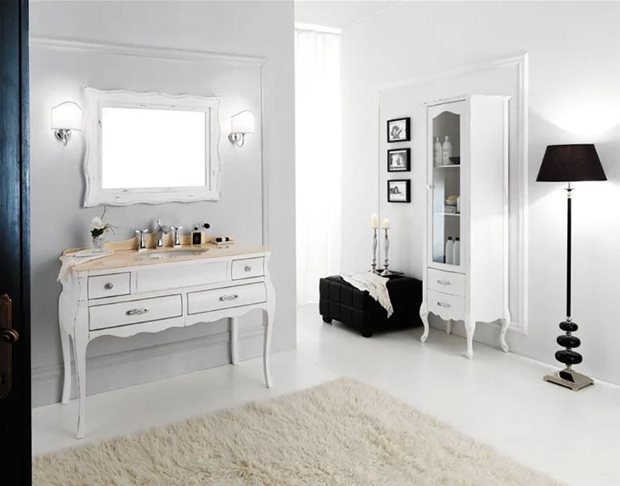 Modello di mobile bagno classico bianco n.02