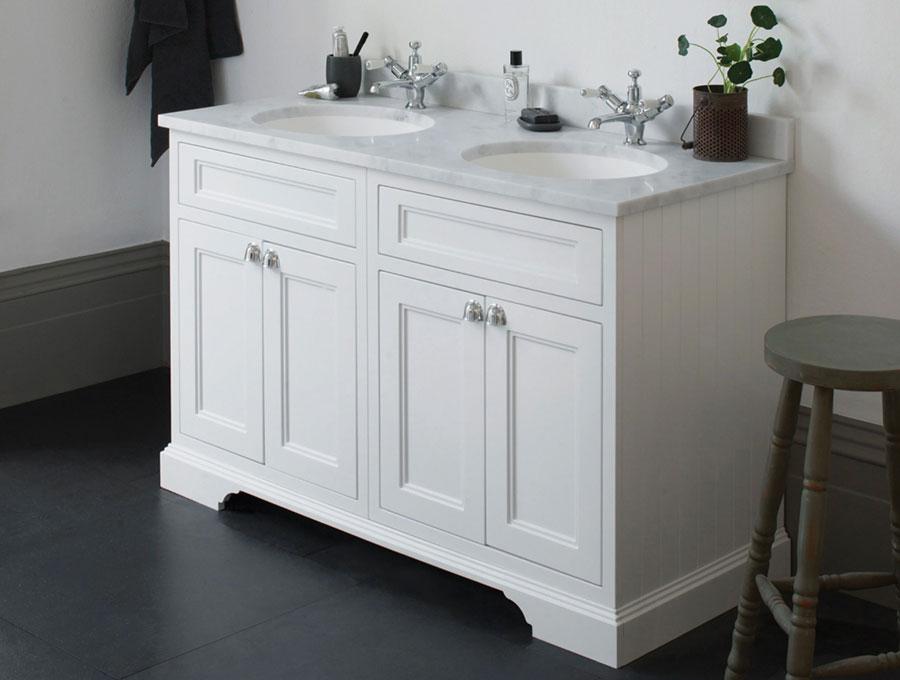 Modello di mobile bagno classico bianco n.10